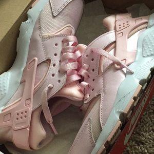 Pink Nike Huaraches